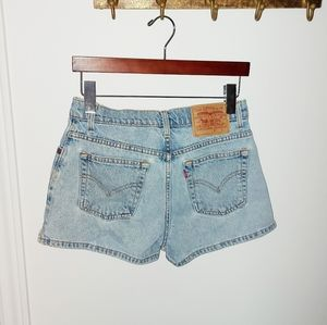 VINTAGE LEVI'S | HIGH RISE DENIM SHORTS